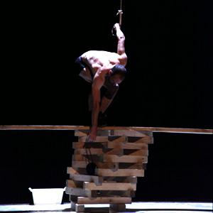 Fall, fell, fallen, compagnie Lonely Circus